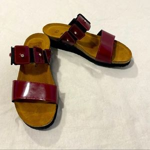 Naot Ashley Wedge Burgundy Patent Sandal Size 38